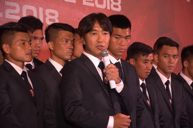 HLV Miura tự tin chèo lái TP.HCM cán đích ở vị trí cao của V.League 2018.Ảnh: CLB TP.HCM