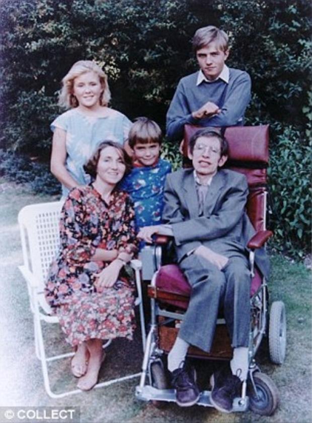 Jane và Hawking có với nhau 3 người con.