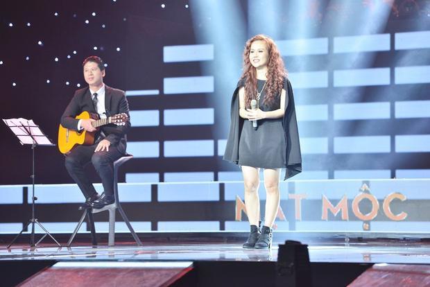 10 năm sau thành công của Về ăn cơm, Sa Huỳnh bất ngờ xuất hiện tại Sing My Song với sáng tác mới.