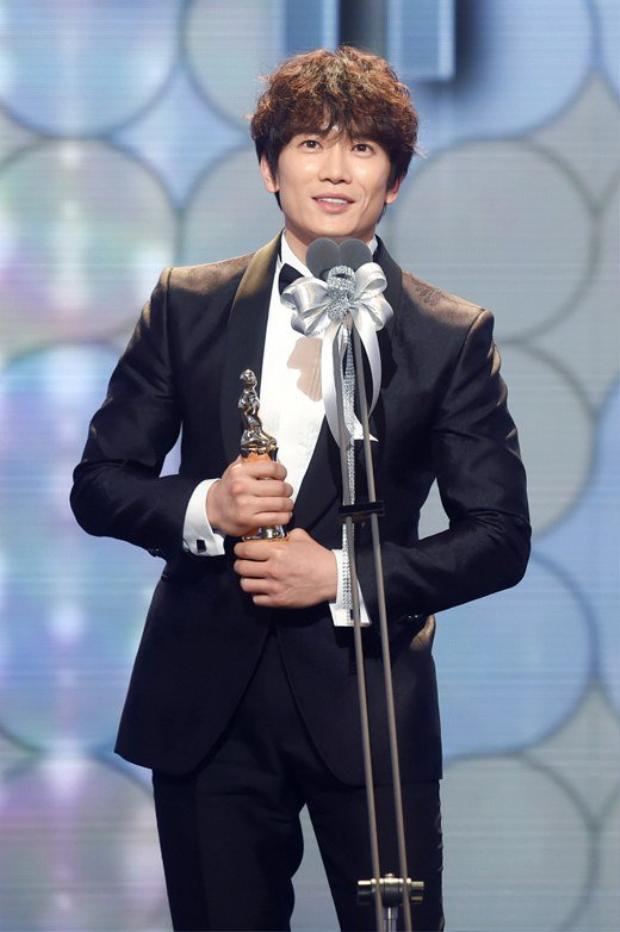 Với vai diễn đa nhân cách vô cùng ấn tượng và độc đáo, chồng Miss Korea chính thức giành được giải Daesang.