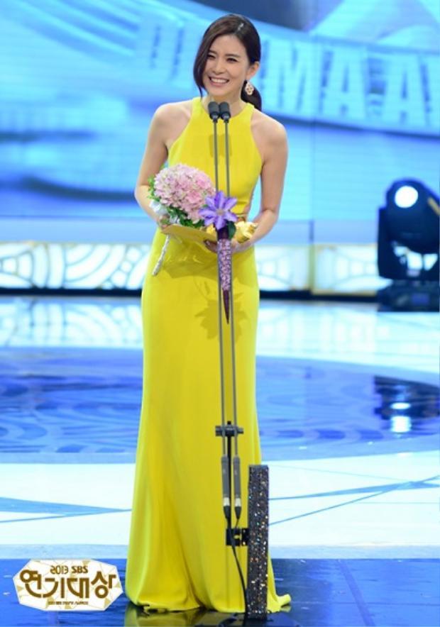 """Với diễn xuất chuyên nghiệp, """" Hoa hậu Hàn Quốc"""" thắng giải thưởng danh giáDaesang."""