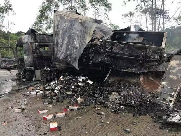 Vụ tai nạn khiến đoạn đường bị tắc nghẽn. Ảnh Ent