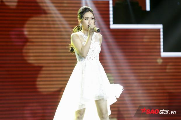 Ngọc Diệp từng gây ấn tượng ngay từ vòng Tinh hoa với ca khúc Thiên đàng ái ân. Phong cách trẻ trung, dạn dĩ của cô nàng thu hút người xem.