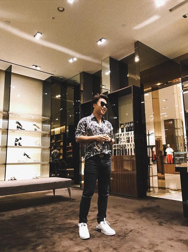 Bạn trai Hoà Minzy sở hữu gương mặt khá ưa nhìn với sống mũi cao.