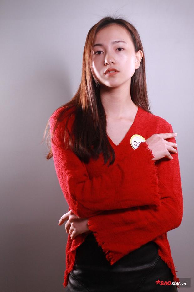 """Cô gái xinh đẹp tiếp theo là Hồ Thuận Nhi, Nhi từng là model hãng thời trang Elise, sở hữu gương mặt với những đường nét lôi cuốn, cô bạn này hứa hẹn sẽ làm nên chuyện tại """"The Face of Law 2018"""" năm nay."""