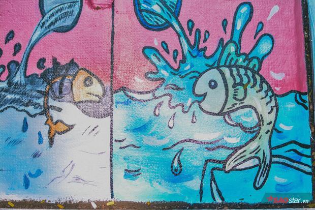 Bức tranh đối nghịch giữa chú cá sống ở nước sạch và nước bẩn cho thấy thực trạng môi trường.
