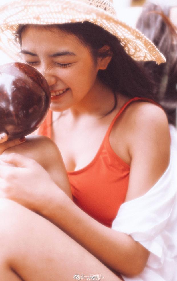 Chiêm ngưỡng nhan sắc không thua gì các minh tinh TVB thời xưa của hot girl 9X