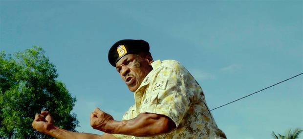 Mike Tyson trổ tài biến hình…