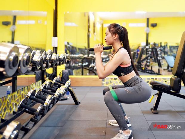 Kim Nguyên rất chăm chỉ và khuyến khích mọi người nên đi tập Gym để có sức khỏe lẫn nhan sắc.