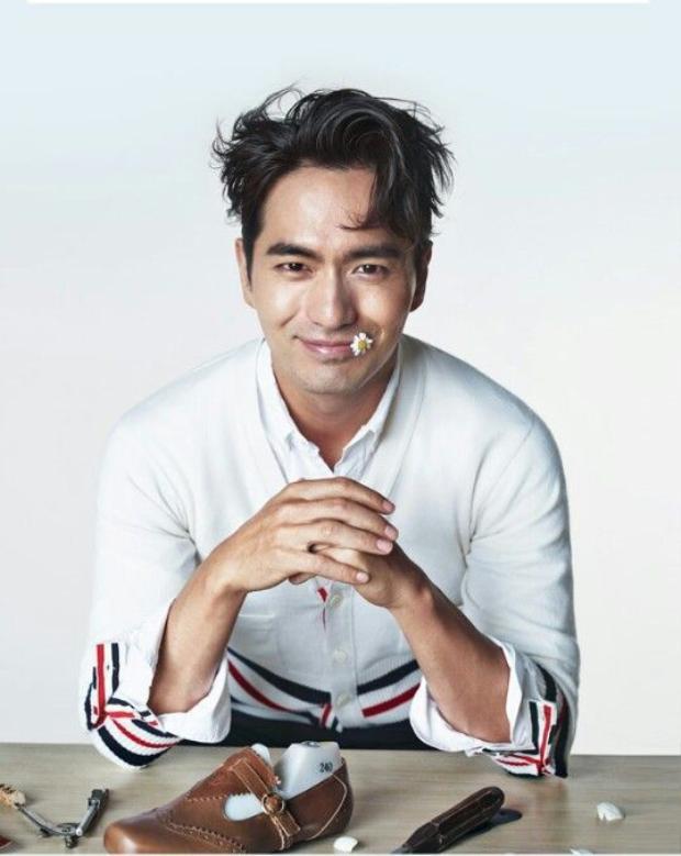 """Lee Jin Wook nổi tiếng là """"cao thủ hôn"""" của màn ảnh Hàn. Và cũng được khán giả nữ phong tặng danh xưng """"Casanova của xứ Kim chi"""" nhờ ngoại hình điển trai, nam tính và phong thái """"sát gái"""""""