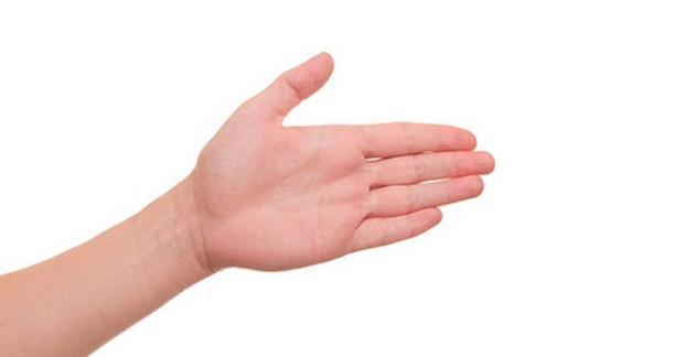 Liếc nhìn ngón tay cái, biết ngay bạn giàu nứt đố đổ vách hay nghèo rớt mồng tơi