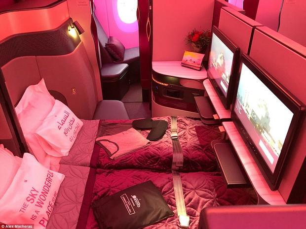 Chuyên cơ A350-1000 được trang bị ghế Qsuite hoàn toàn mới với tiện nghi giường đôi đầu tiên ở hạng thương gia.