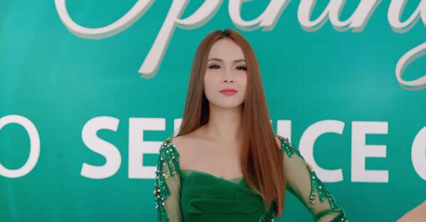 Yến Trang trong vai Khánh My với thần thái vô cùng kiêu sa.