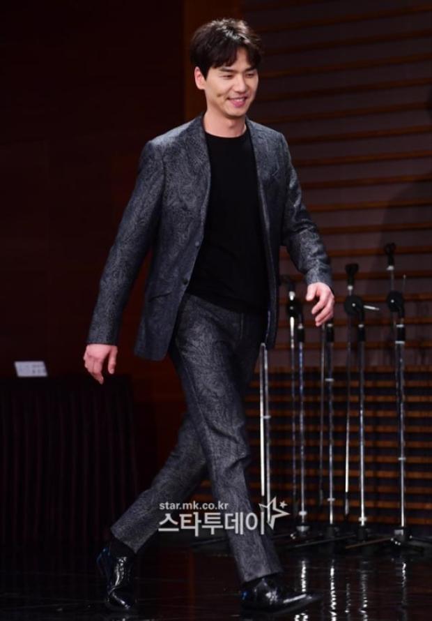Bạn diễn điển trai của Moon Geun Young - nam diễn viên Kim Tae Hoon.