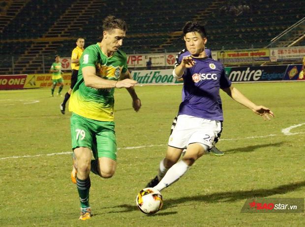 Duy Mạnh là một trong những cầu thủ U23 Việt Nam chơi tốt ở V.League 2018.