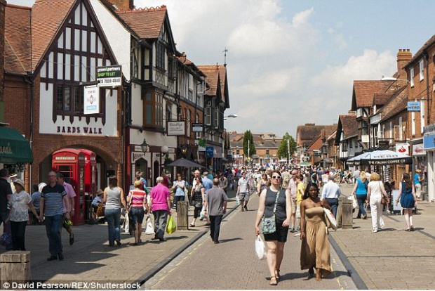 """""""Thị trấn ngoại tình"""" Stratford-upon-Avon là nơi đáng sống nhất nước Anh. Ảnh: REX"""
