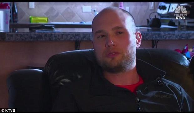 Anh Josh Schlaich, chủ của chú chó Ren. Ảnh KTVB