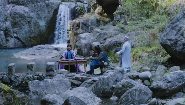 """Tình yêu của Lệnh Hồ Xung và Nhậm Doanh Doanh cũng """"nhanh"""" không kém diễn biến phim"""