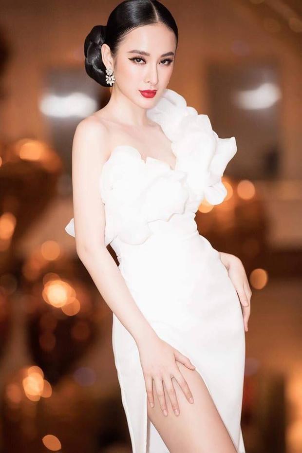 """Quả không hổ danh """"nữ hoàng thảm đỏ"""", mỗi lần xuất hiện tại sự kiện,Angela Phương Trinhluôn là tâm điểm thu hút và gây sự tò mò cho công chúng với những diện mạo mới lạ."""