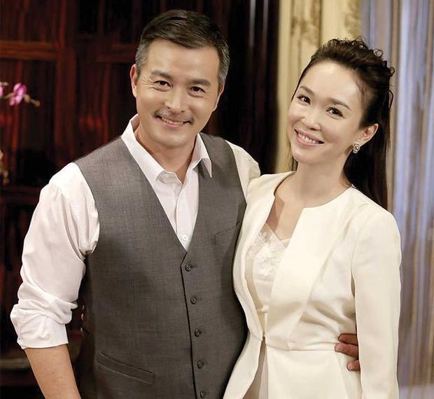 Những mối tình khắc cốt ghi tâm khiến người khác động lòng của sao Hoa ngữ