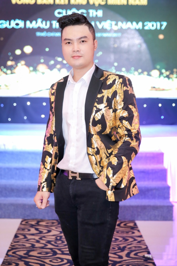 Các thiết kế của anh thường xuyên được hàng loạt mỹ nhân hàng đầu Vbiz diện trên thảm đỏ như Kỳ Duyên, Nguyễn Thị Loan, Mâu Thủy, Thanh Trúc…