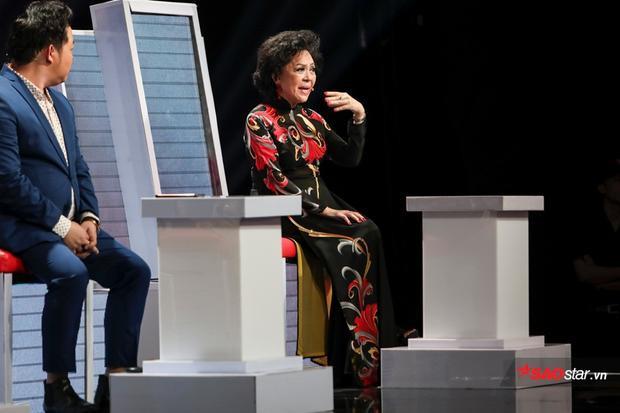 """Phút thị phạm """"xuất thần"""" của giám khảo khách mời Giao Linh khiến HLV không thể không ngoáy nhìn."""