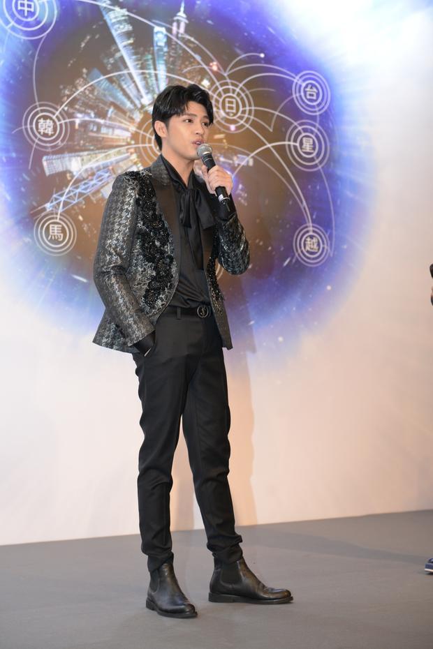 Hong Kong Asian-Pop Music Festival 2018diễn ra vào 20h ngày 23/3 tại Trung tâm Hội nghị và Triển lãm Hong Kong. Ngoài Noo Phước Thịnh đại diện cho Việt Nam, còn có các sao châu Á khác như:Supper Moment (Đài Loan), BTOB (Hàn Quốc), Jannine Weigel (Thái Lan), M.I.C (Trung Quốc)…