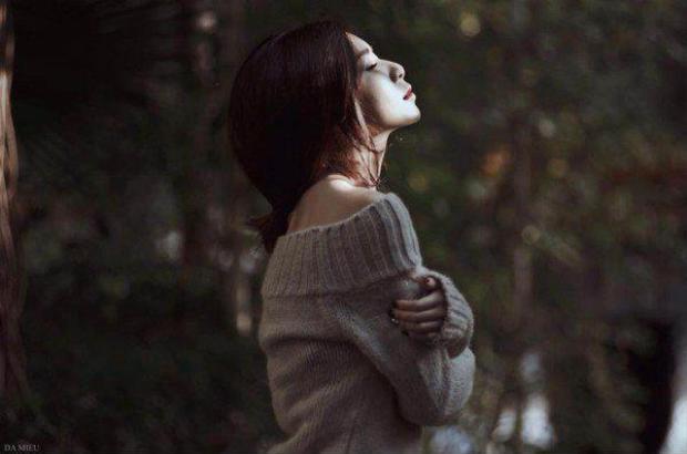 Lên mạng hỏi Bạn trai còn thương người cũ, phải làm sao?, cô gái nhận về hàng nghìn lời khuyên khác nhau