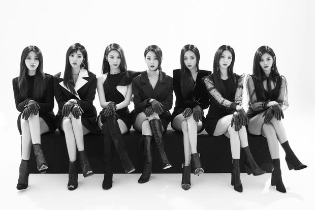"""Là girlgroup """"em gái"""" 4Minute, CLC có thừa tài năng và nhan sắc để tiếp nối đàn chị nhưng đến nay nhóm vẫn cứ mãi chật vật tìm chỗ đứng cho mình."""