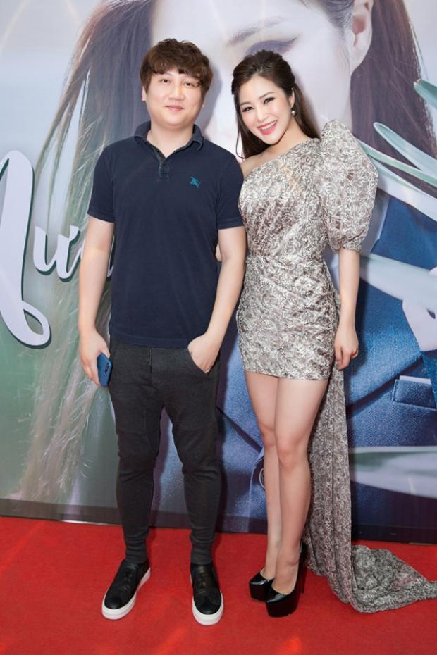 Cặp đôi Mr Siro - Hương Tràm lại tiếp tục ghi thêm một thành tích đáng nể.