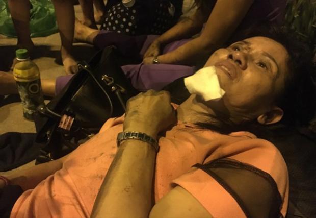 Người dân chung cư Carina hoảng loạn: Nghe thấy tiếng nổ lớn, tỉnh dậy thì không thở được vì khói dày đặc