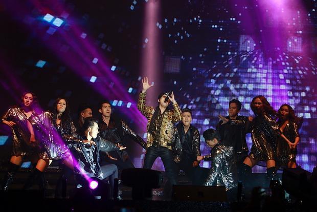Noo cực bảnh, bùng nổ sân khấu Hong Kong với ca khúc mới toanh từ Đỗ Hiếu