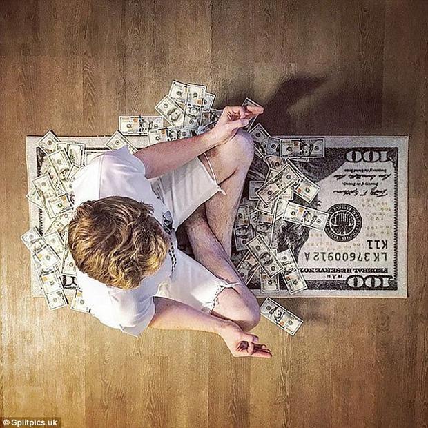 Ngồi thiền trên đống tiền - phương pháp giảm stress hiệu quả của giới nhà giàu.Ảnh: Splitpics.uk