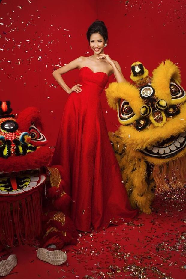 """Xuất hiện trong các bộ ảnh thời trang nàng á hậu vẫn thể hiện được thần thái cuốn hútmvới màu sắc """"ruột""""."""
