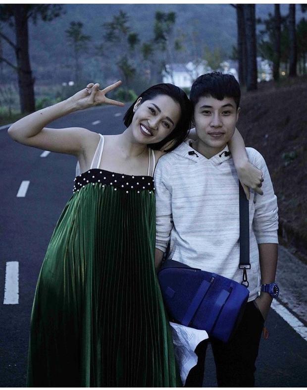 Dũng cảm diện lại váy thảm họa của Angela Phương Trinh, Bảo Anh có đẹp hơn?