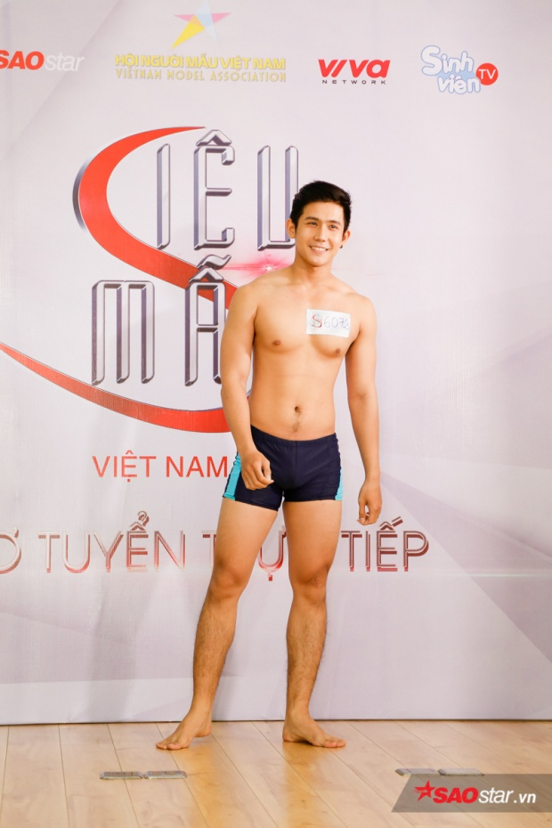 Phạm Xuân Hùng gây ấn tượng với khuôn mặt điển trai. Ngoài phong cách trình diễn của thí sinh này được ban giám khảo đánh giá cao.