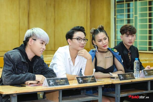Yến Lê là giám khảo khách mời vòng sơ tuyển The Voice 2018 bên cạnh Đức Phúc, Ali Hoàng Dương và Hoàng Dũng.