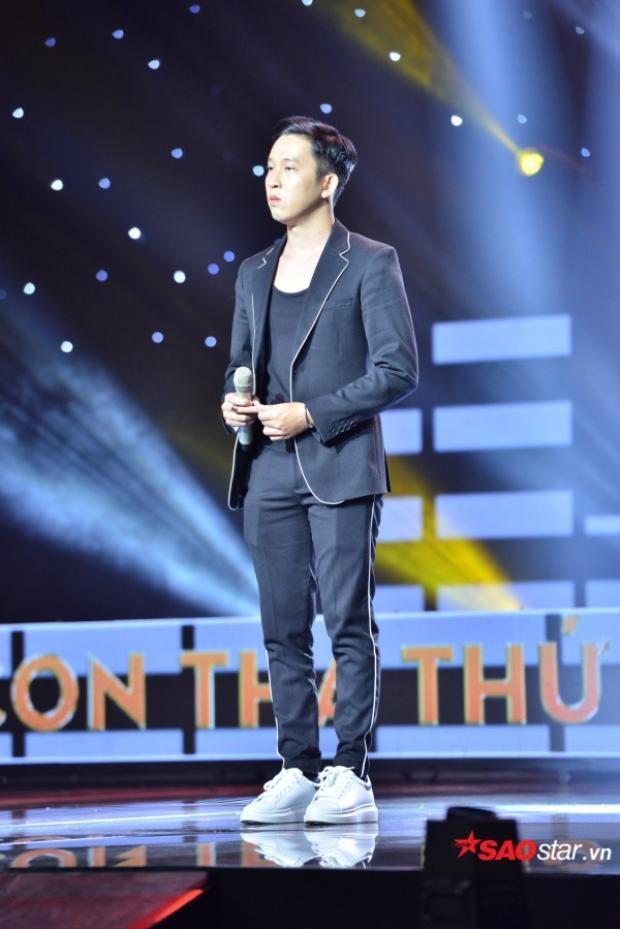 """HLV Lê Minh Sơn bổ sung Phạm Hoàng Duy vào danh sách những """"chiến binh"""" đầy màu sắc của mình."""