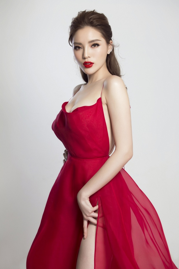 Gần 4 năm đăng quang cuộc thi Hoa hậu Việt Nam 2014, Kỳ Duyên ngày càng xinh đẹp, trưởng thành và bản lĩnh hơn.