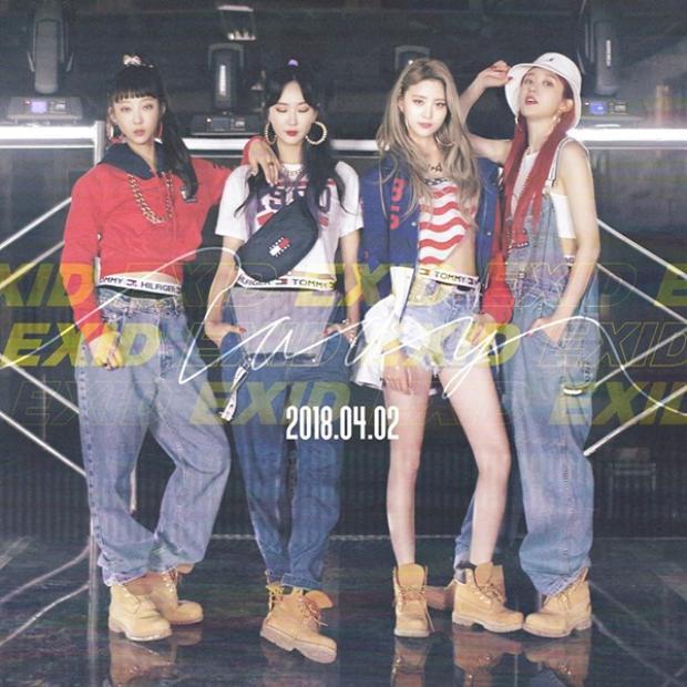 """EXID cũng là một cái tên được người hâm mộ mong đợi nhất kể từ khi nhóm """"tung thính"""". Lần trở lại vào ngày 2/4 này vẫn chỉ có 4 thành viên, trưởng nhóm Soiji vì vấn đề sức khỏe nên tạm thời vắng mặt."""