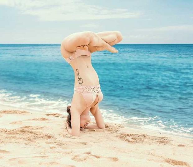 Trang phục yêu thích của nữ diễn viên cũng là các thể loại áo tắm, từ bikini sexy…