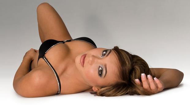 'Chết ngất' trước thân hình 'chuẩn không cần chỉnh' của nữ võ sĩ MMA