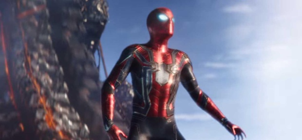 'Avengers: Infinity War': Fan phát hiện biểu tượng sau lưng Người Nhện đột nhiên biến sắc