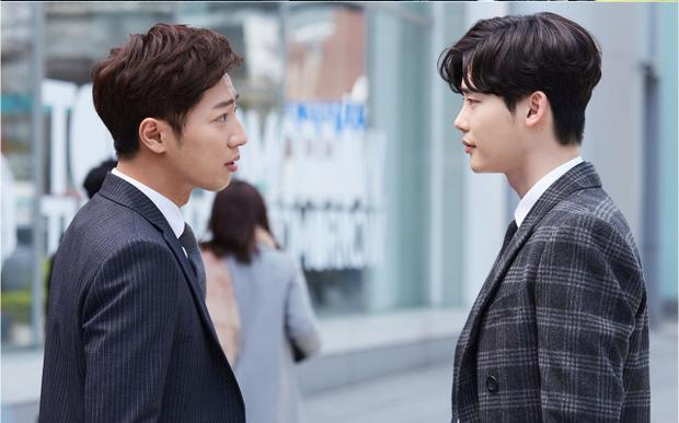 Lee Sang Yeob - Lee Jong Suk hợp tác ăn ý trong phim Khi nàng say giấc.
