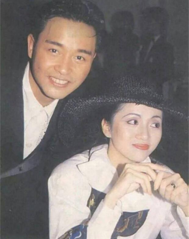 Hình ảnh của Trương Quốc Vinh và Mai Diễm Phương khiến fan không khỏi tiếc thương.
