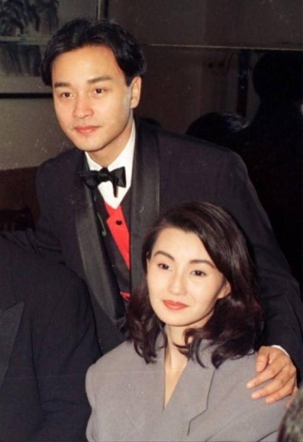 Cảnh còn người mất. Trong ảnh là Trương Quốc Vinh và Trương Mạn Ngọc hồi hợp tác trong Gia hữu hỷ sự.