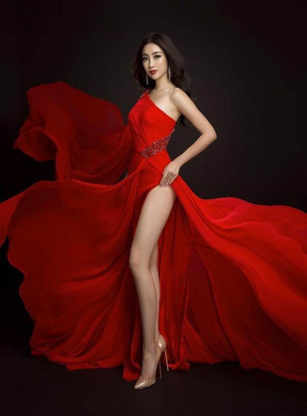 Nét đẹp quyến rũ, rạng ngời của hoa hậu họ Đỗ khiến bao trái tim loạn nhịp khi ngắm nhìn cô.