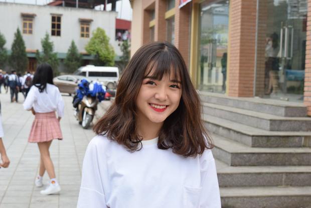 """Nụ cười tỏa nắng của Khánh Linh khiến không ít người """"rụng tim""""."""