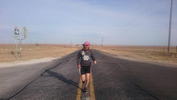 Ông Rob Pope, 39 tuổi, người chạy bộ quãng đường dài hơn 25.000km trên khắp nước Mỹ.