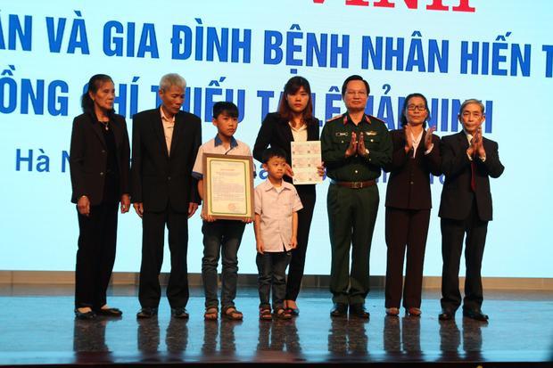 Gia đình anh Hải Ninh tại buổi lễ tri ân.